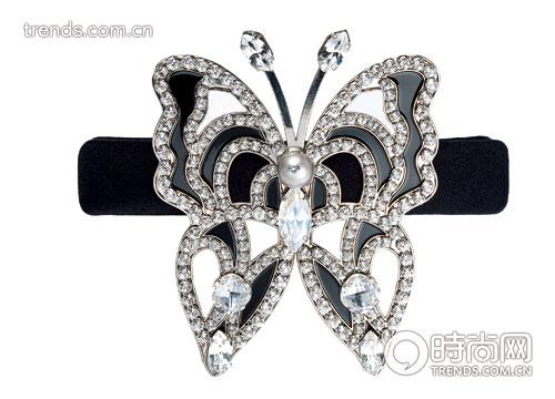 饰品潮流 正文    蝴蝶镶钻发饰 dior  花形镶钻戒指   充满