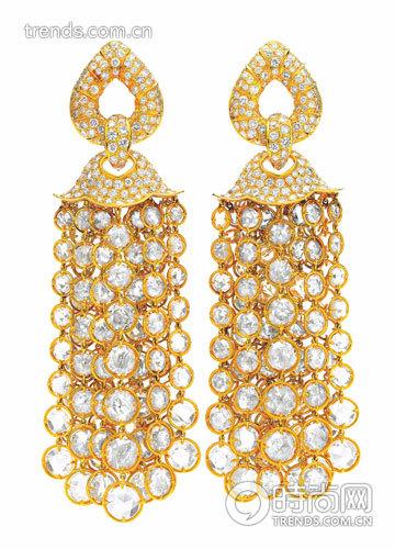 marina b 设计钻石流苏耳坠 2000 年10月纽约佳士得拍得此次拍卖估价