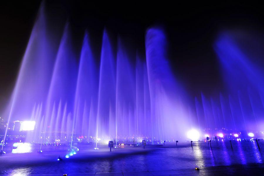 苏州金鸡湖音乐喷泉(水幕电影)图片