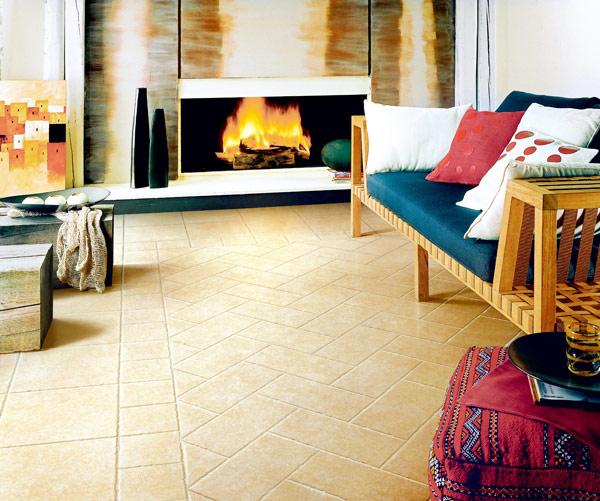 """现代客厅越来越注重简洁、大气或者特殊风格的营造,瓷砖在这一过程中被大面积使用。从地面铺装到墙面装饰,瓷砖的身影无处不在。   在选购客厅地砖之前,一定要考虑好规格尺寸。要根据客厅大小""""量体裁衣"""",不要盲目地追求大尺寸的地砖。一般来说,40平方米以下的客厅最好使用600mm×600mm的地砖,40平方米以上的客厅使用800mm×800mm的地砖。在选择时还得考虑一下房子装修完摆上家具后人可以看见的实际面积,如果人的可视面积很小,而地砖的尺寸太大也不协调。"""